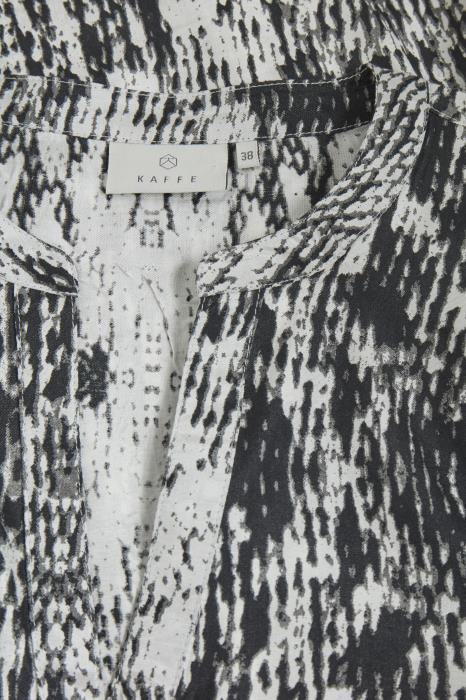 Black & White Print Blouse